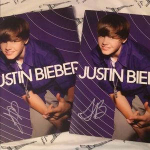 SIGNED justin Bieber booklet from MY WORLD TOUR